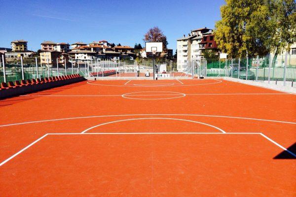 Спортни и детски площадки