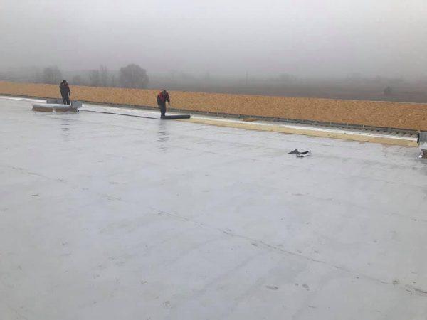 Складова база гр. София, кв. Кривина – доставка и полагане на покривна вата 10 см и PVC мембрана – площ 4000 кв.м.